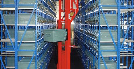 Kastenlager im Versandbereich eines Werkzeugherstellers
